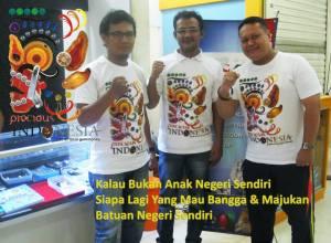 Dengan Om Nugroho Gemologist dari SKY Lab Tamini Square, Pencipta Design Logo Precious Indonesia
