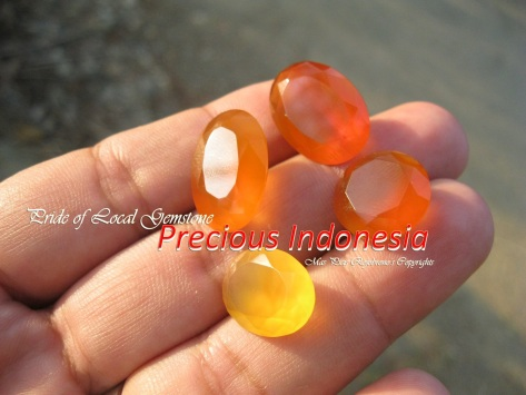 Indonesian Chalcedony Cutting