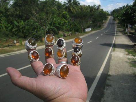 Negeri Ini Diberkati Tuhan dengan Indonesian Fire Opal Kualitas Tinggi